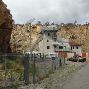 PROJECT 10 - Gosnells Quarry - With Maccaferri rock netting and new fencing